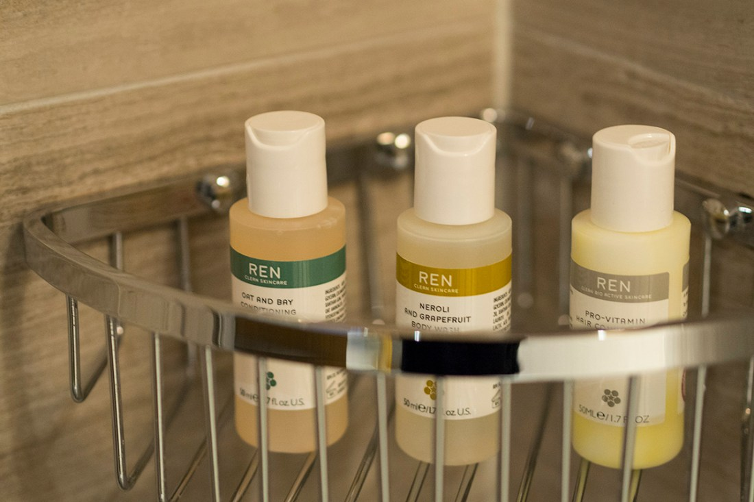 ren-skincare-toiletries-hotel-valluga