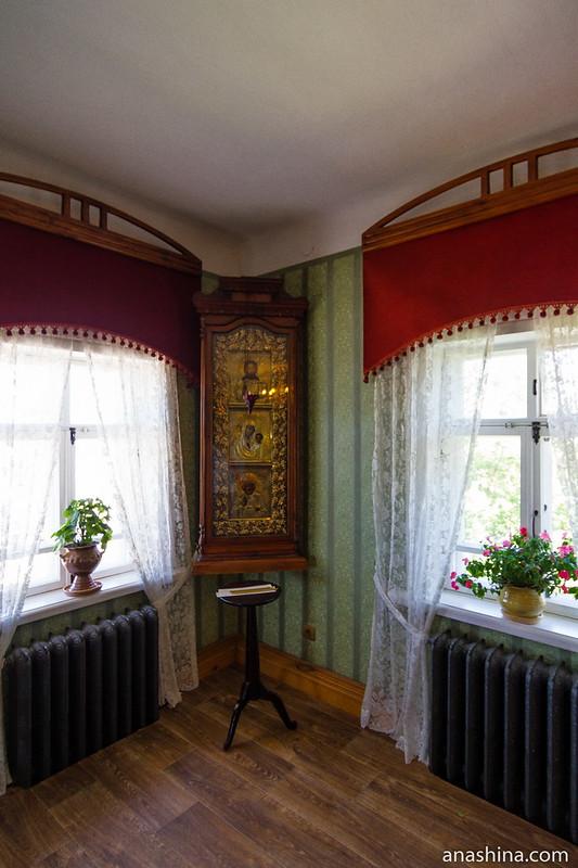 Киот с иконами, Музей деревянного зодчества, Суздаль