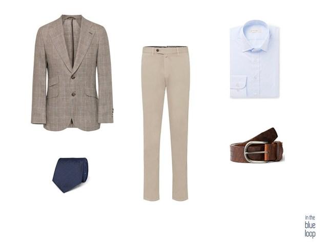 Look smart-casual masculino, con blazer de cuadros, chinos beige, corbata y camisa azul y cinturón nublo para hombre de blue hole