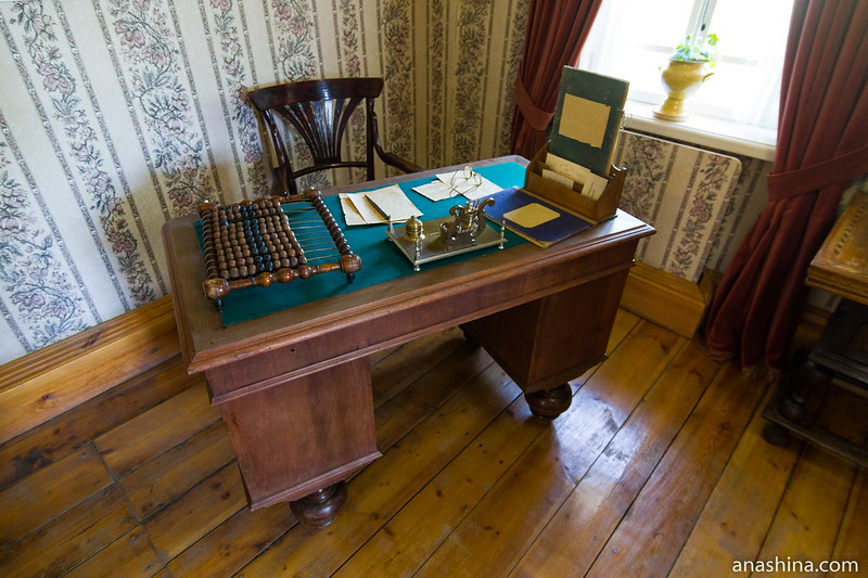 Письменный стол купца, Музей деревянного зодчества, Суздаль