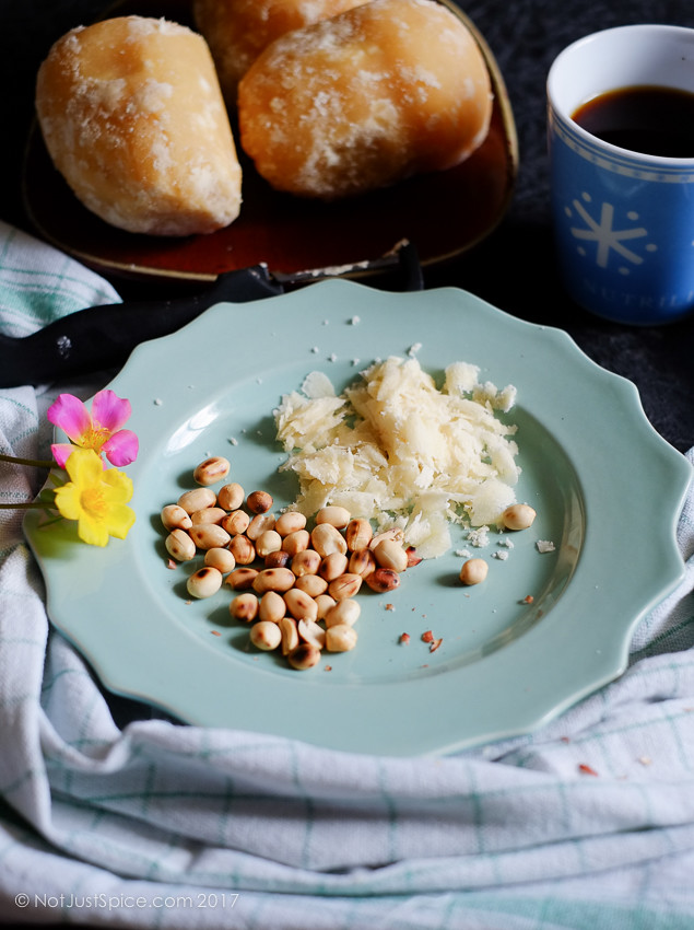 Insanely Easy Snack: Peanuts and Jaggery | Groundnuts and Jaggery on notjustspice.com