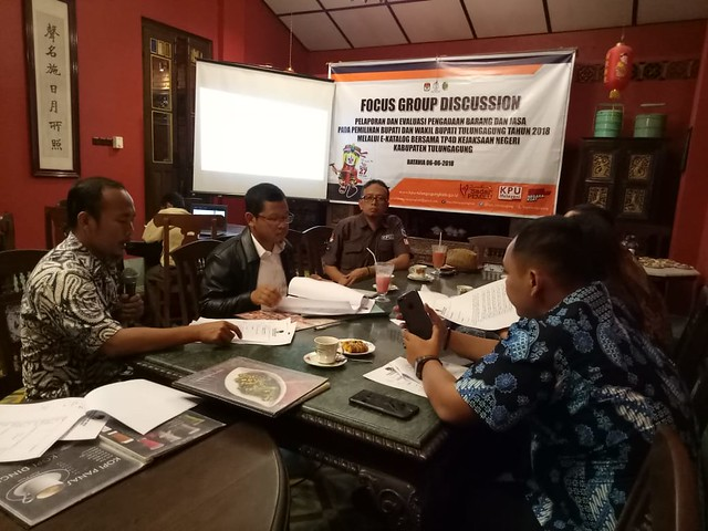 Suasana Koordinasi KPU Tulungagung dengan TP4D Kejaksaan Negeri Tulungagung di Batavia Café & Resto (6/6)