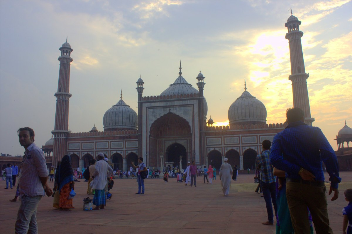 Jama Masjid has lotus bud shaped domes