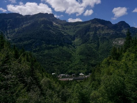 Estacion de Canfranc -- Mirador del Epifanio