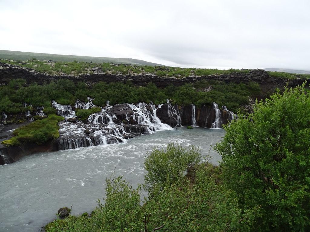Islandia Cascada de Hraunfossar rio Hvita 03