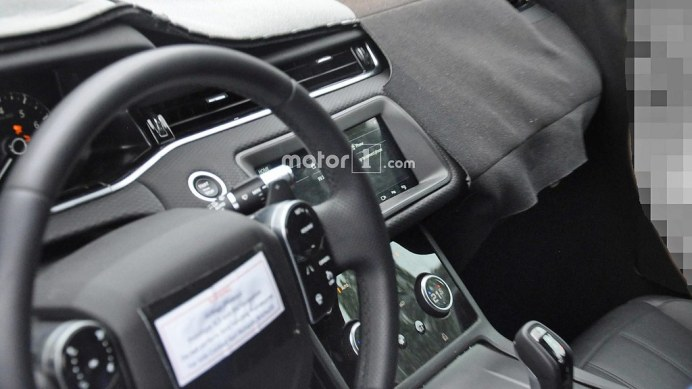 new-range-rover-evoque-interior-spy-photos (2)