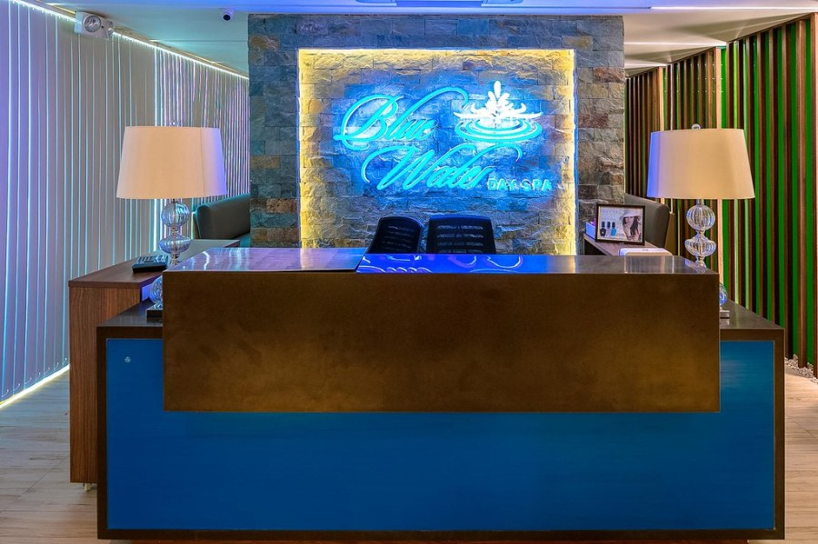 BlueWater day Spa Reception (1)