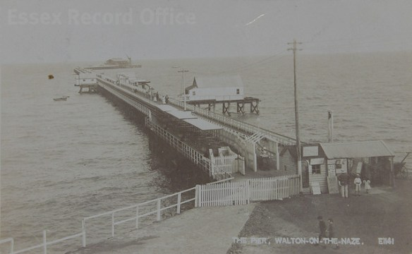 Walton-on-the-Naze in old postcards