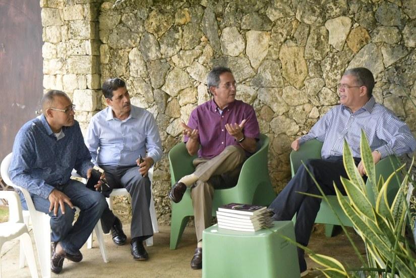 Reunión en la casa de Luis Estrella, en Río San Juan, María Trinidad Sánchez. 3 de agosto 2018