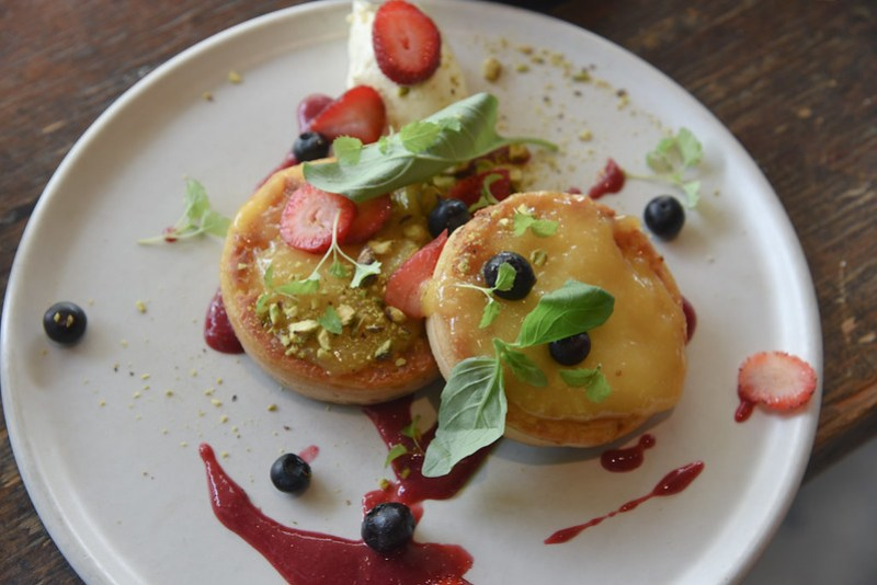 crumpets at stagger lee's cafe