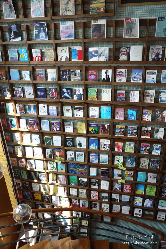 42874602592 e443e39036 b - 台中獨立書房│羅布森書蟲房-號稱台中最美的森林系書店