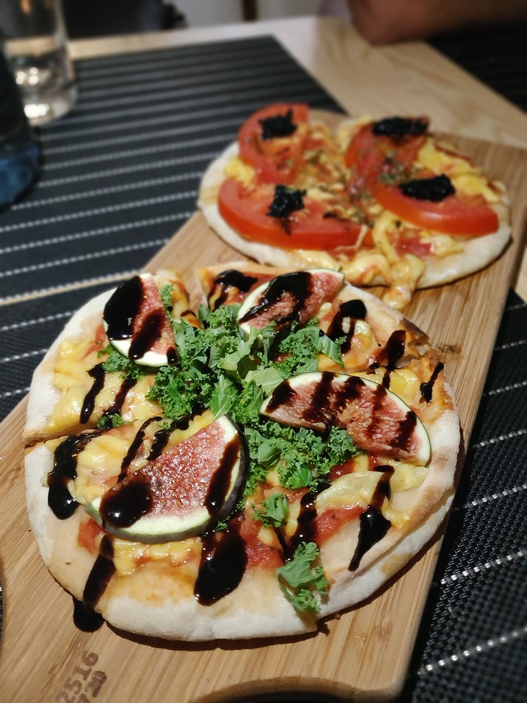 vegan pizza vegvolution kitchen causeway bay hong kong