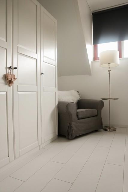 Kast slaapkamer fauteuil schemerlamp