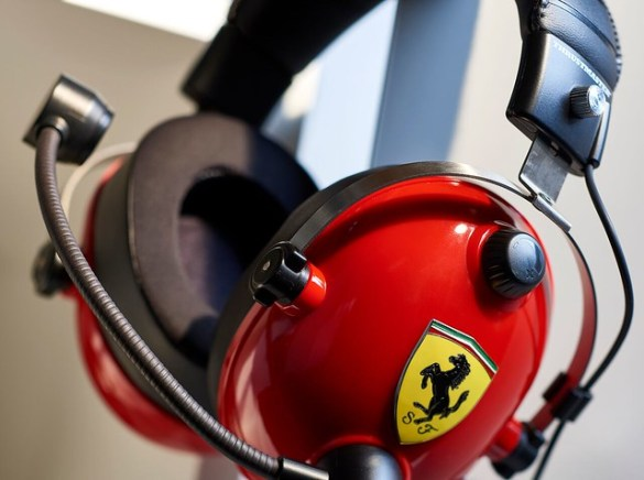 Ferrari Thrustmaster Headset - Profile