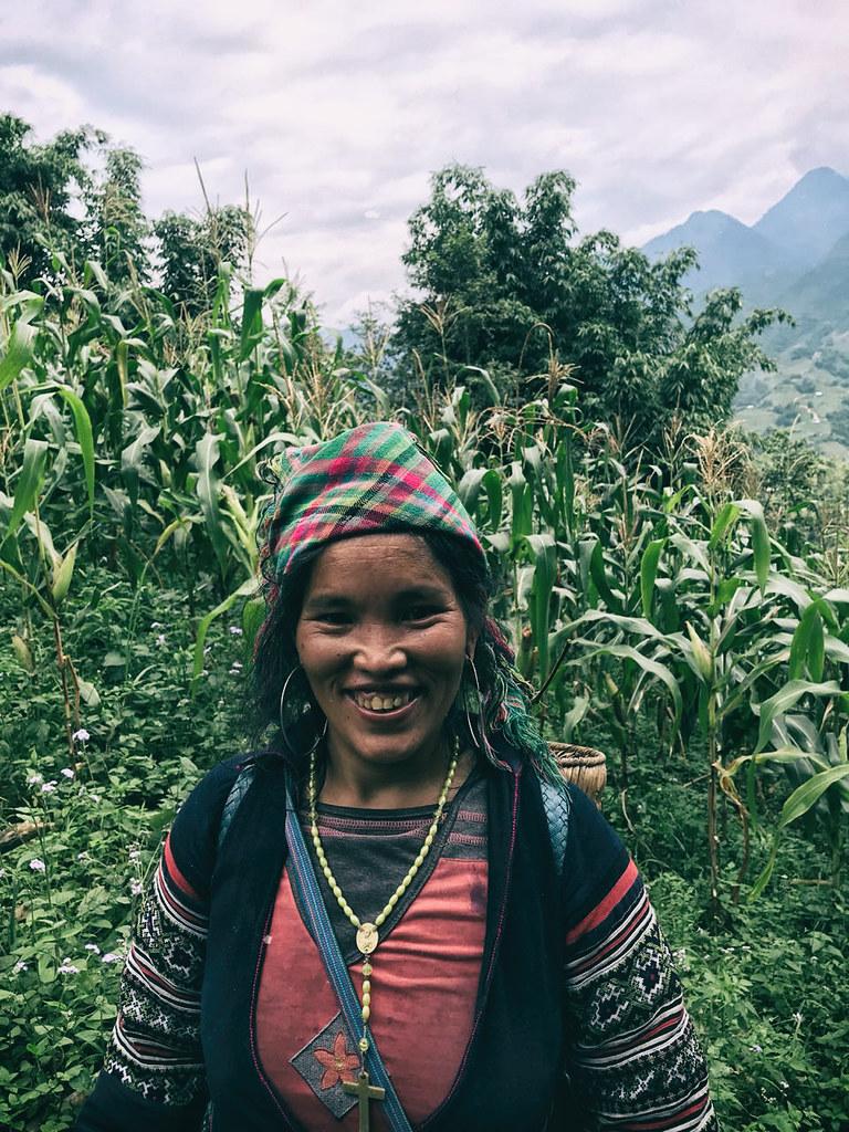 hmong-lady,-outlanderly,-sapa