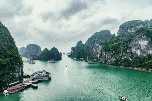 Halong-Bay-Outanderly-Vietnam