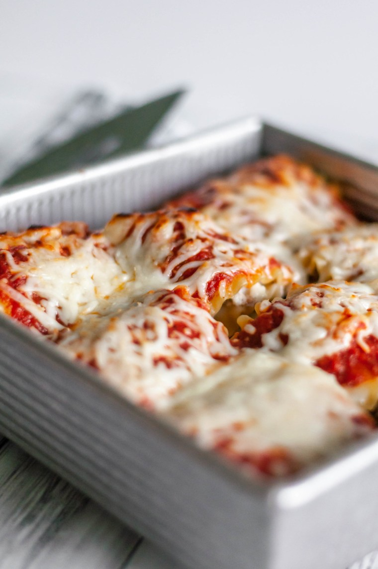 Lasagna Roll Ups are the perfect weeknight dinner when you want that traditional lasagna flavor but only have an hour. And freezer friendly too.