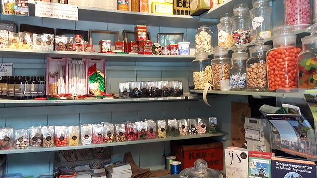 Kleinste winkeltje (2)