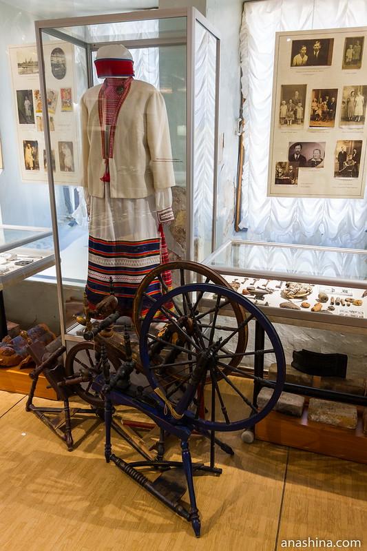 Праздничный костюм жительницы местности Койвисто, Приморский краеведческий музей