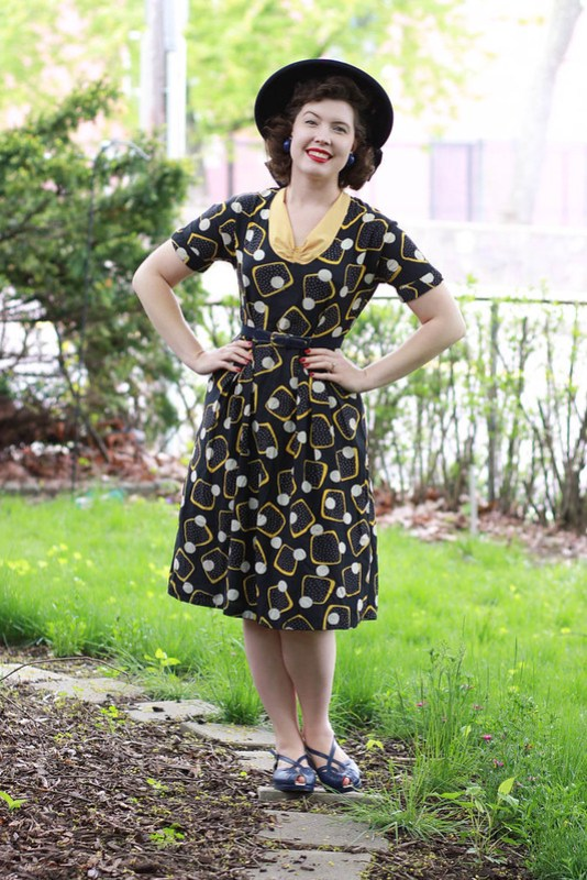 1940s blue and yellow abstract print dress