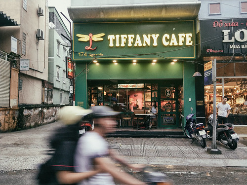 Tiffany-cafe,-Vietnam,-vietnamese-coffee,-cafe,-hanoi,-Outlanderly