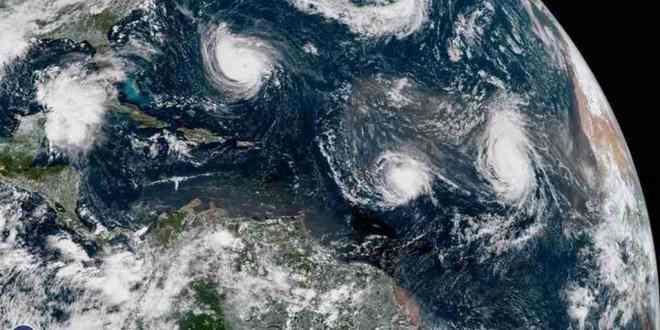 quatre-tempêtes-puissantes-vues-depuis-espace