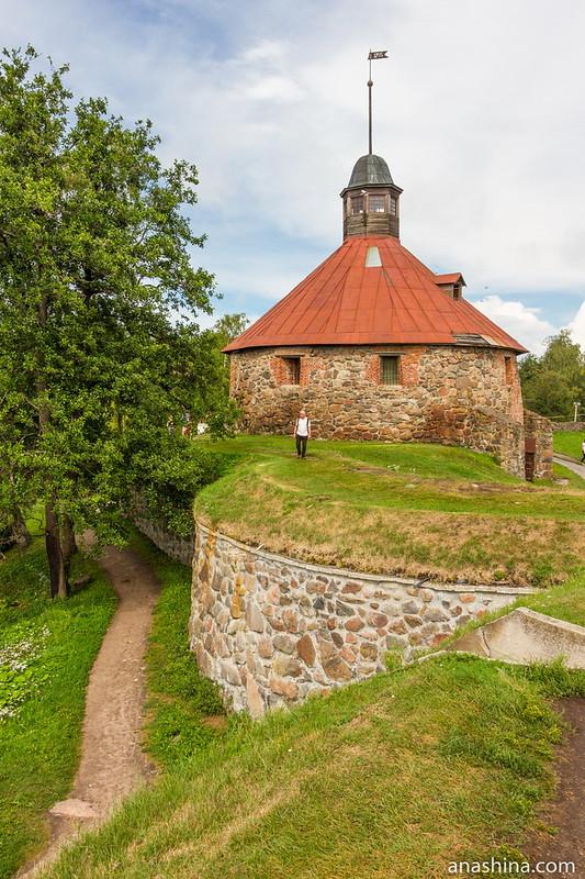 Круглая воротная башня, крепость Корела в Приозерске
