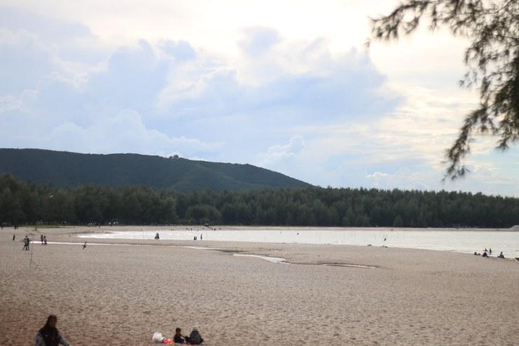 ชายหาด แหลมสมิหลา - จังหวัดสงขลา