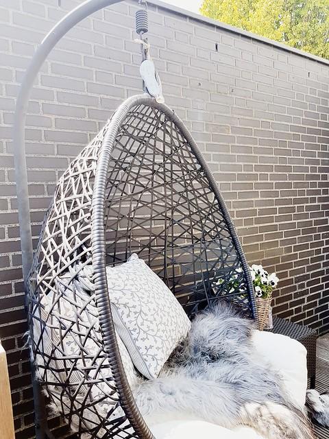Hangstoel tuin met kussens