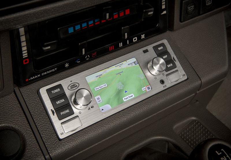 601fd687-jaguar-land-rover-classic-infotainment-system-2