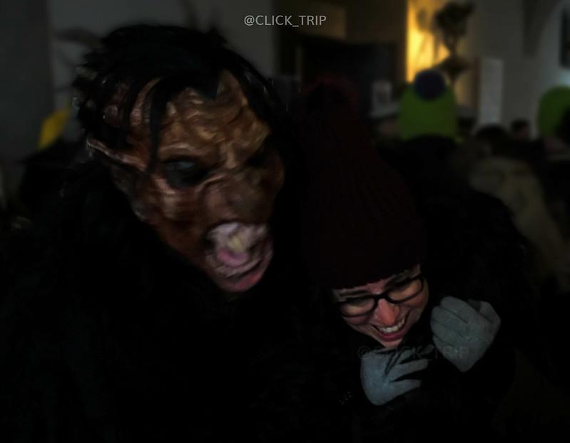 Fui atacada' por el demonio de la Navidad durante el desfile de Krampus