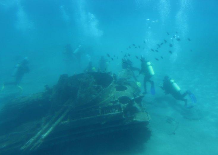 Tank and corals in the Red Sea, Aqaba, Iordania