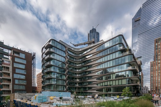 520 West 28th by Zaha Hadid