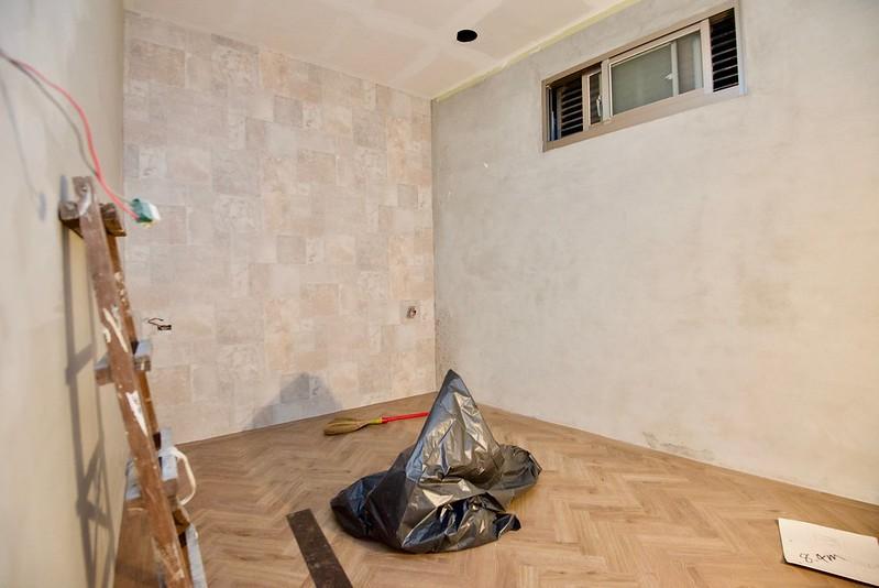 塑膠地板當壁貼?富銘塑膠地板 人字貼 / 崁條滾邊 / 牆面應用 @ 【跟著柚子去旅行】·旅遊美食3C 部落格 :: 痞 ...