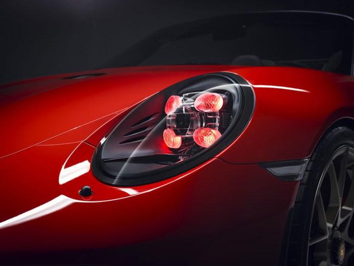 c304e79b-porsche-911-speedster-paris-red-07