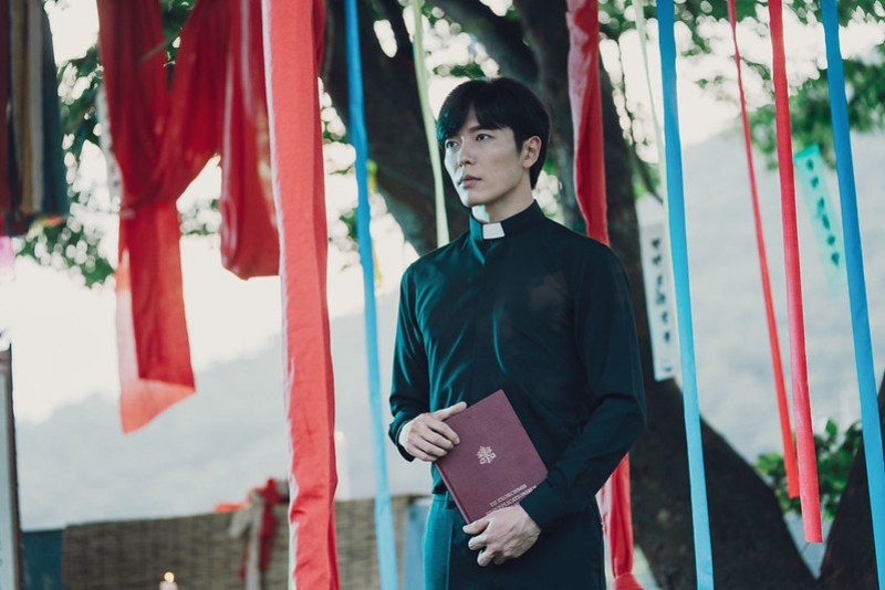 x)clusive: Interview with 'The Guest' Kim Jae Wook - (x