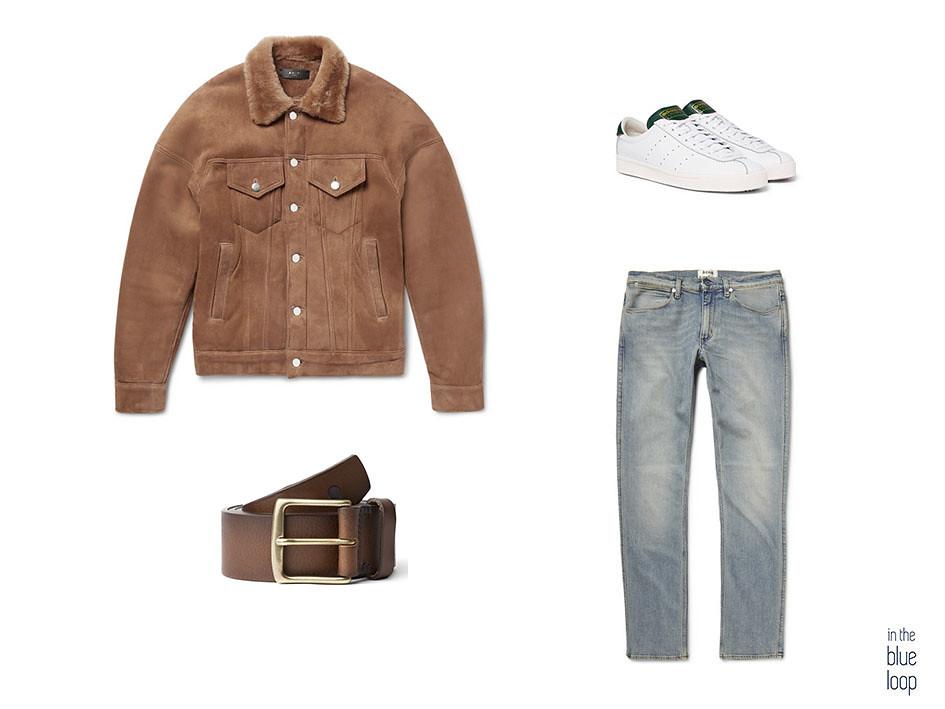 Look casual masculino con cazadora de ante, vaqueros, sneakers blancas y el cinturón Garoé de blue hole