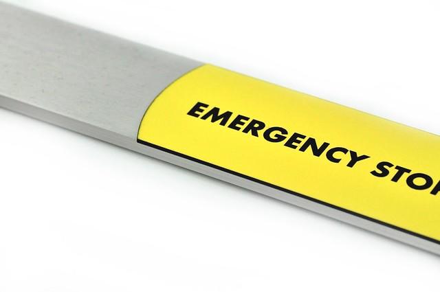 panel z wstawką zółtego laminatu grawerskiego