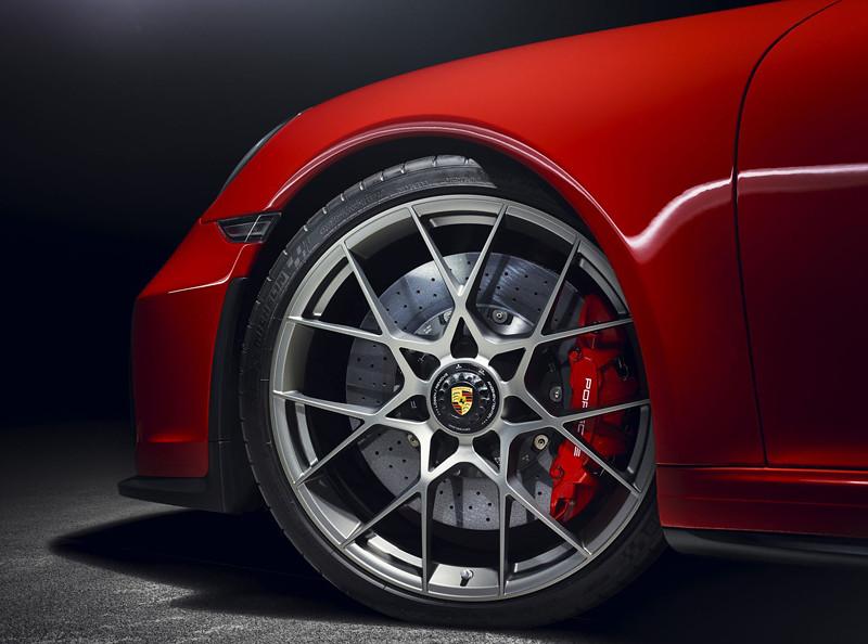 02c8534c-porsche-911-speedster-paris-red-06
