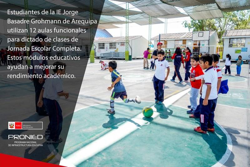 Mejores aprendizajes con módulos educativos en IE Jorge Basadre de Arequipa