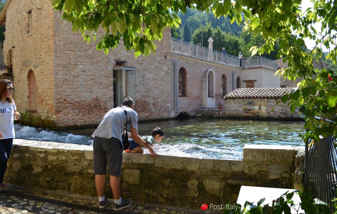 Rasiglia, Úmbria, Itália