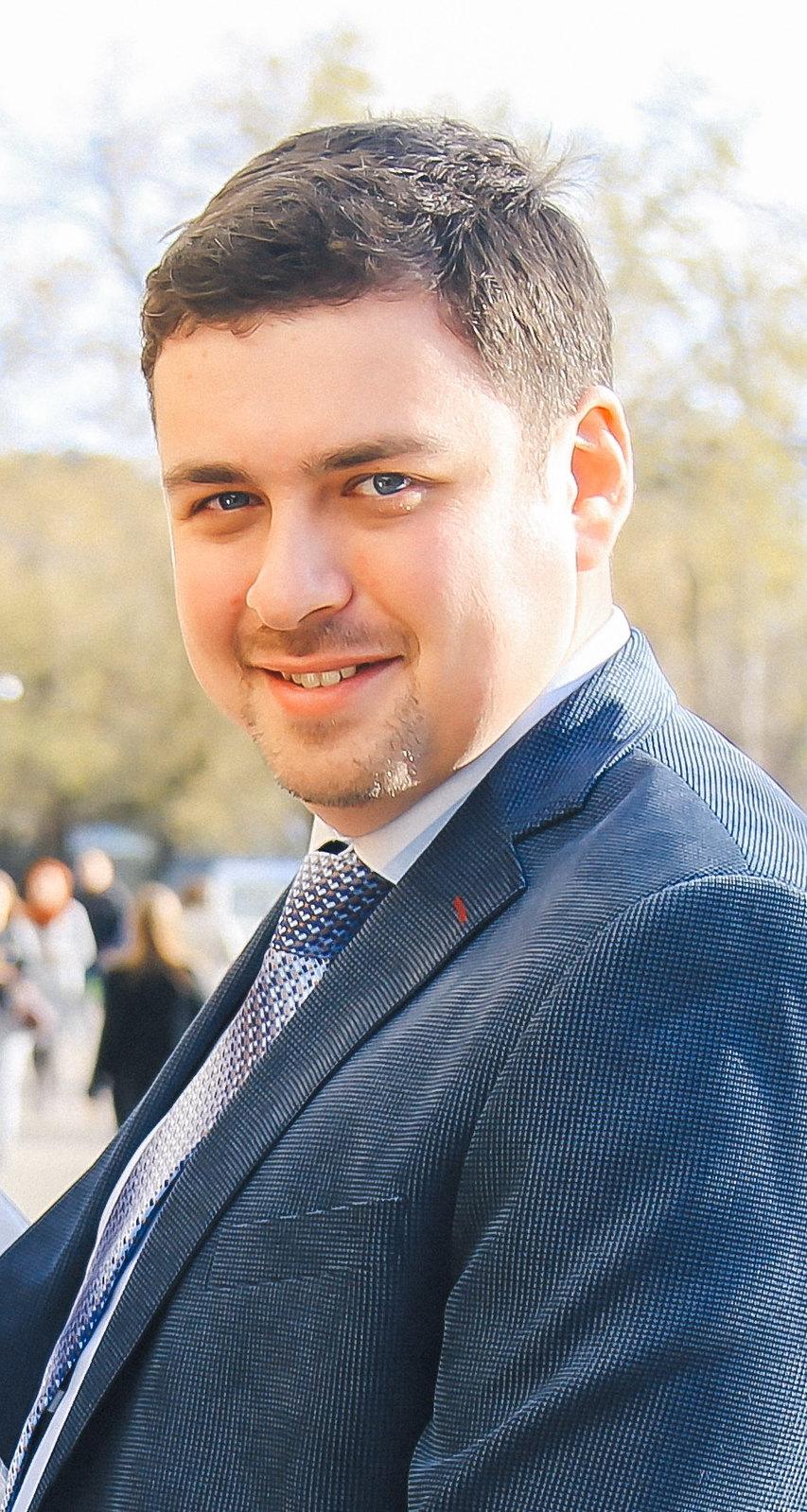 Эдуард Миронов, директор по закупкам транспортных услуг ГК FM Logistic