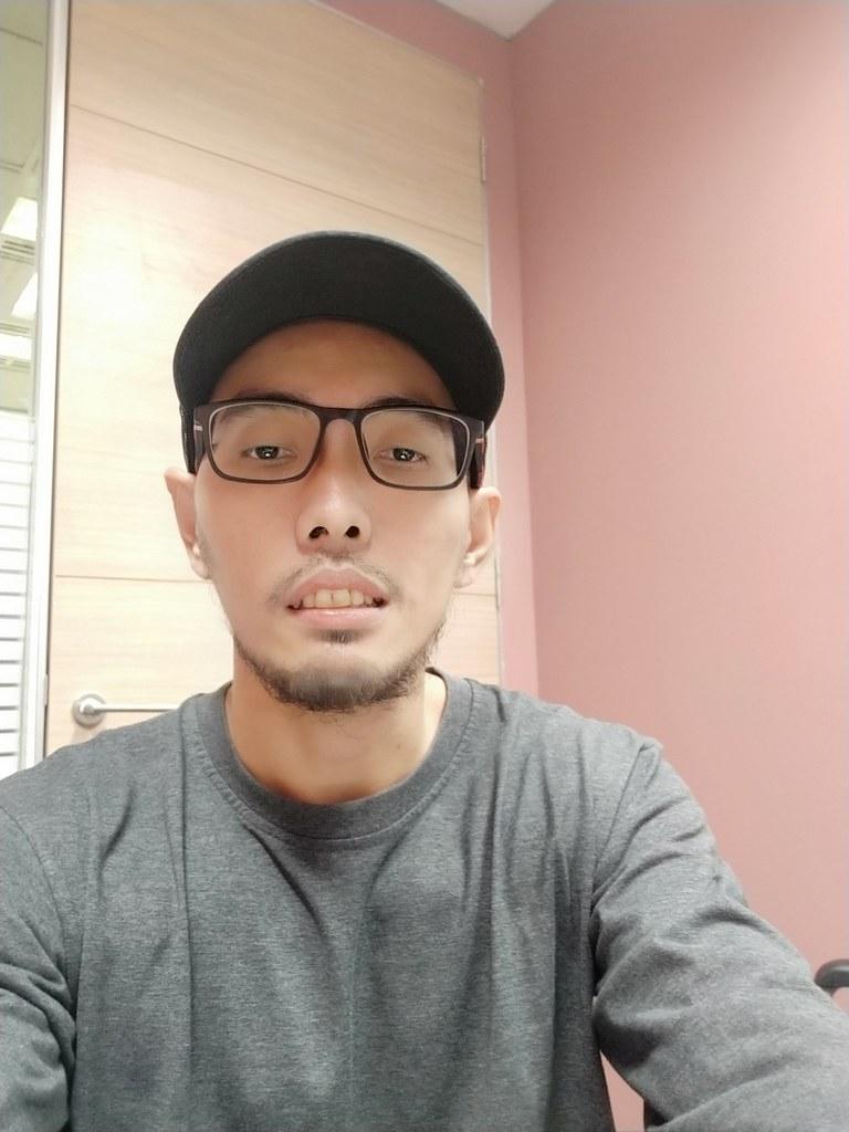 Hasil foto Selfie dengan Realme 2 Pro
