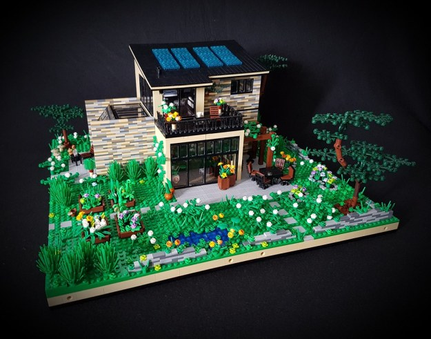 Lilium Eco House MOC southern side garden