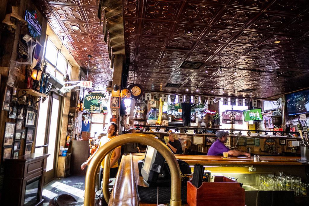 Dugan's Pub-008