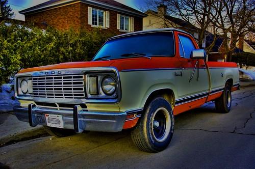 1975 Dodge Adventurer