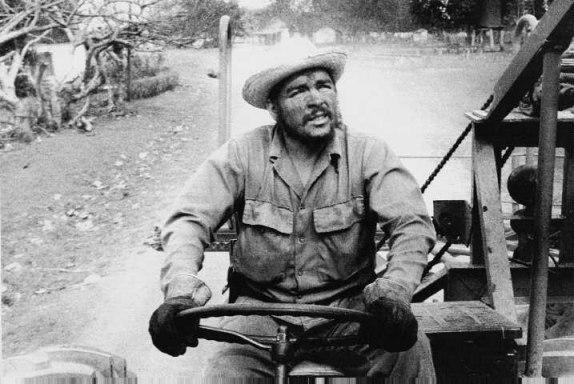 Ernesto Che Guevara Obrero con los Obreros