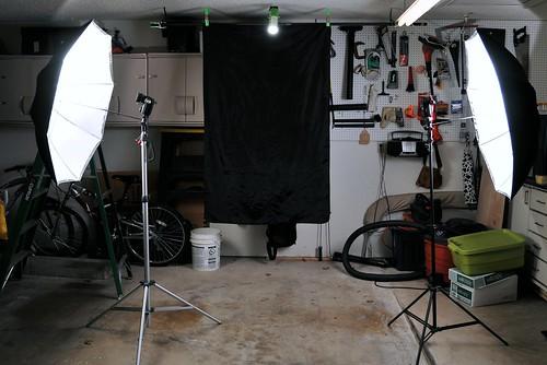 SETUP SHOT - The frugal Strobist Studio.