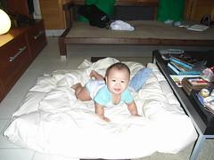 Joshua & the quilt - RIMG0131