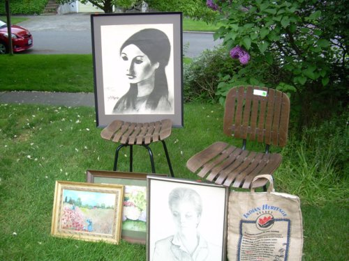Outdoor art display